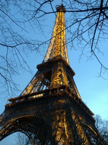 Eiffel tower dusk winter.350px.