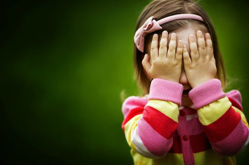hiding-girl